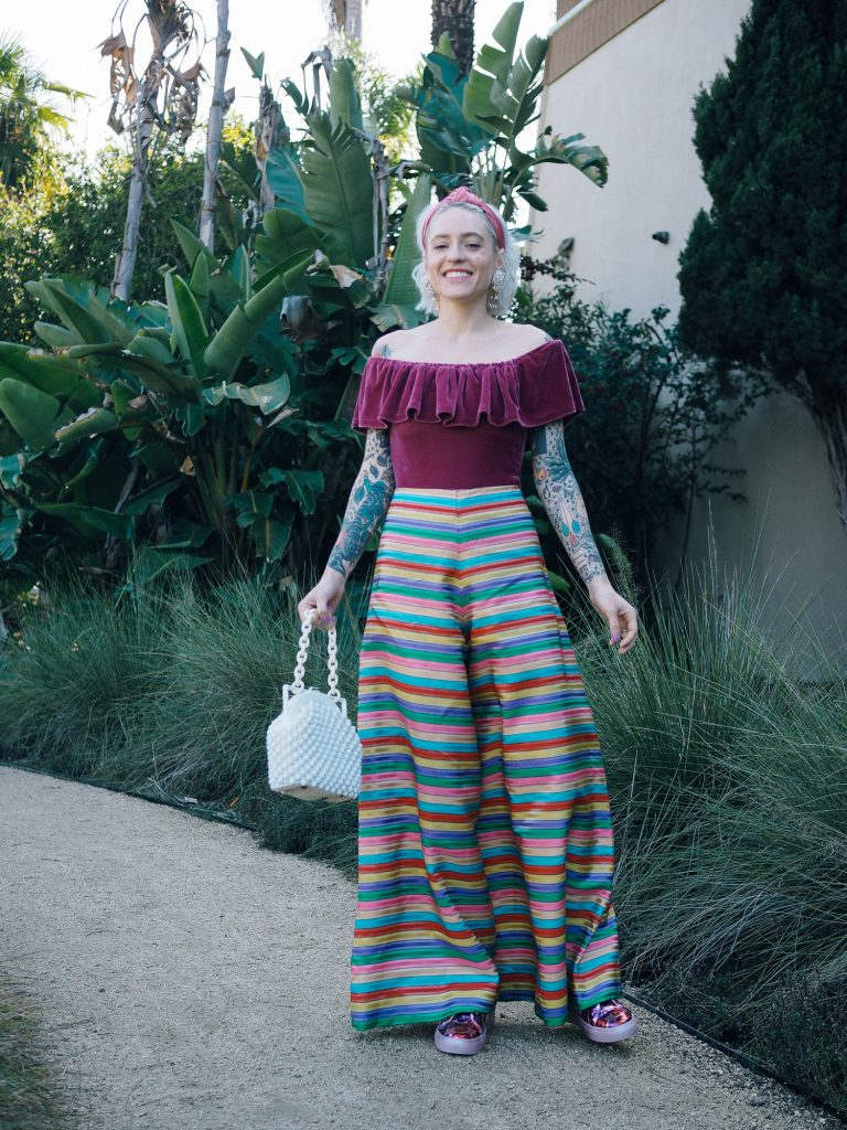 The perfect rainbow Valentine's Day outfit on the blog!